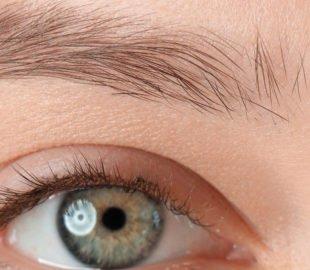Nicht wenige Menschen leiden unter lichten Stellen an den Augenbrauen.