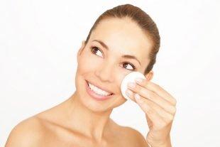 Reinigung Wimpernverlängerung
