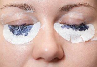 Beim Wimpern färben selber machen, solltest Du die Augen während der Anwendung geschlossen halten.