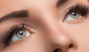 Nach einer Wimpernverlängerung ist die Wimpernpflege besonders wichtig, um die Extensions lange zu erhalten.